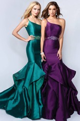 Trumpet One-Shoulder Sleeveless Satin Dress With Draping And Waist Jewellery