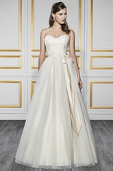 A-Line Sweetheart Maxi Tulle&Satin Wedding Dress With Appliques And V Back