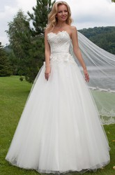 A-Line Sleeveless Sweetheart Floral Tulle Wedding Dress
