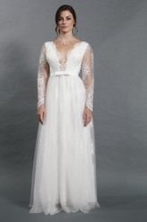 Sexy Deep-V Neck Long Sleeve A-Line Tulle Wedding Dress