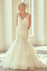 Long V-Neck Criss-Cross Tulle Wedding Dress With Court Train And V Back
