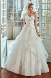 Sweetheart A-line Wedding Dress with Ruching Tiers and Lace Bodice