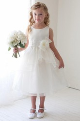 Tea-Length Floral Bowed Appliqued Lace&Organza Flower Girl Dress With Tiers