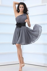 Simple One-Shoulder Sleeveless Chiffon Bridesmaid Dress With Floral Sash