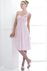 Knee-Length Criss-Cross Sleeveless One-Shoulder Chiffon Bridesmaid Dress