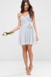 Short A-Line Sweetheart Criss-Cross Sleeveless Chiffon Bridesmaid Dress
