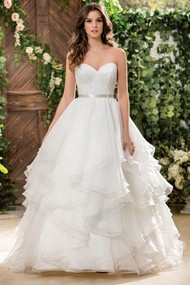 Sweetheart A-Line Wedding Dress With Ruffles And Lace Bodice