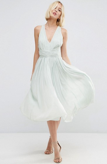 eb9afa0caef2 Knee-Length V-Neck Sleeveless Chiffon Bridesmaid Dress With Ruching And  Straps